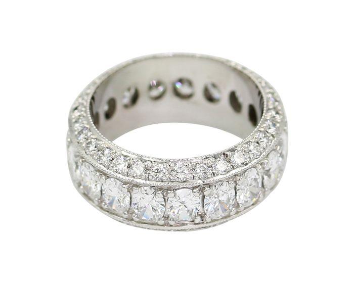 18kt White Gold Diamond Eternity Ban 3.78 c.t.w.