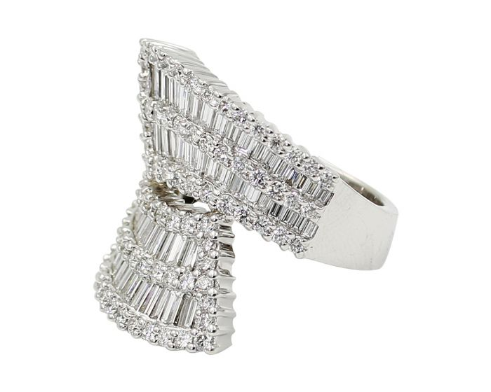 18kt White Gold Diamond Crivelli Ring 4.28 c.tw.